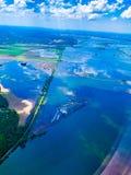 Campo sommerso con le carreggiate sommerse lungo il fiume Missouri immagine stock libera da diritti