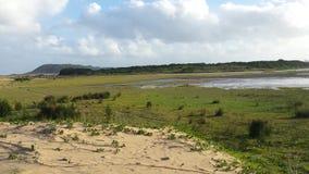 Campo surafricano con un lago Fotografía de archivo