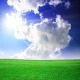 Campo verde hermoso imágenes de archivo libres de regalías