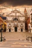 Campo y Chiesa di San Moise en salida del sol Venecia Italia fotografía de archivo