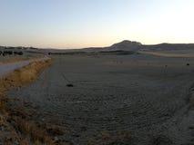 Campo y colina secos Imágenes de archivo libres de regalías