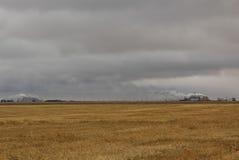 Campo y refinería vacíos Imagen de archivo