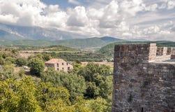 Campos de Ainsa com castelo da torre Imagens de Stock Royalty Free