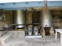 Campos de la lavanda para los petróleos esenciales Foto de archivo libre de regalías