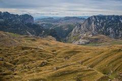 Campos de la montaña Foto de archivo libre de regalías