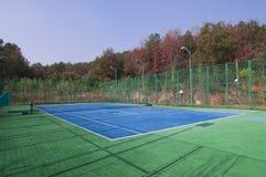 Campos de tenis vacíos, granangulares de centro Fotografía de archivo