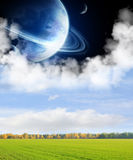 Campos de um planeta distante Fotografia de Stock