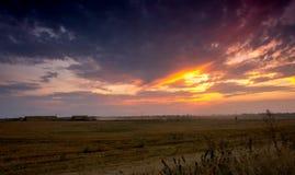 Campos e prados durante o por do sol Fotografia de Stock
