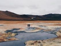 Campos Islandia del azufre estropea a extranjeros fotos de archivo libres de regalías
