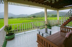 Campos na paisagem exterior da natureza de Nan Thailand no homestay de Tanong fotografia de stock
