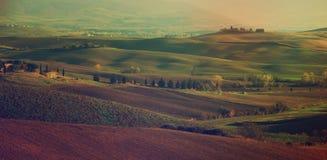 Campos ondulados en Toscana Foto de archivo libre de regalías