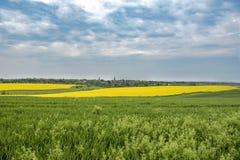 Campos, prados, nuvens imagem de stock