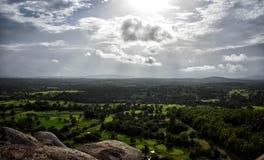 Campos verdes das montanhas fotos de stock