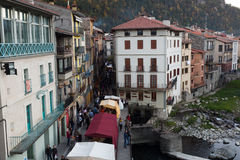 Camprodon i Pyrenees royaltyfria foton