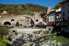 Camprodon i Pyrenees fotografering för bildbyråer