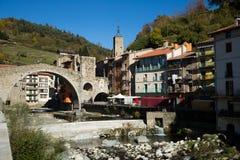 Camprodon i Pyrenees arkivbild