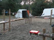 Campside av en lokal spana grupp fotografering för bildbyråer