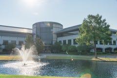 Campus corporativo de las jefaturas del Dr. Pepper de Keurig en Plano, Texa Imagen de archivo