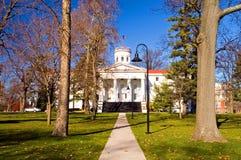 Campus de la universidad en caída Foto de archivo