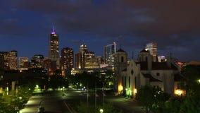 Campus de van de binnenstad van Denver en Auraria-bij het Vallen van de avond stock video