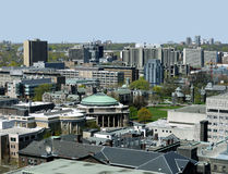Campus universitario Imagen de archivo libre de regalías