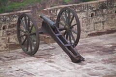 Cañón en el fortalecimiento de la fortaleza de Meherangarh Imagenes de archivo