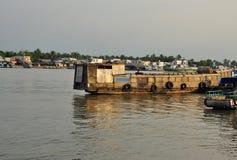 Can Tho, Vietnam Bateaux sur le fleuve de Mekong Photo libre de droits