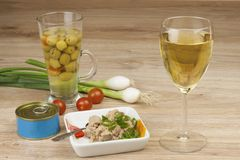 Can of tuna, a healthy meal with vegetables. Fast food preparation Royalty Free Stock Photos