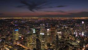 Canadá Toronto la noche aérea 4K de julio de 2017 inspira 2