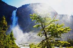 Canada_banff_waterfall stock afbeeldingen