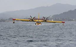 Canadair bierze wodę 016 Zdjęcia Stock