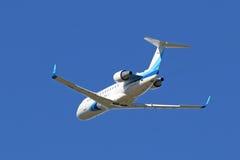 Canadair-Bombardier crj-200 vliegtuig in de hemel van Yamal Royalty-vrije Stock Afbeelding