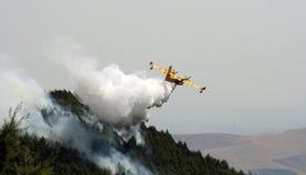 Canadair vs fire Royalty Free Stock Photos