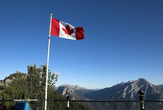 Canadese Vlag, Banff royalty-vrije stock afbeelding