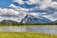 Canadian Landmark: Vermilion Lakes in the Summer Stock Images