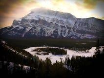 Canadien les Rocheuses au parc national de Banff au coucher du soleil image libre de droits