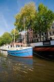 Canais de Amsterdan fotografia de stock
