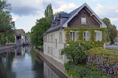Canais de Strasbourg em França fotografia de stock royalty free
