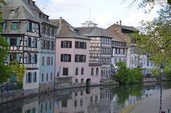 Canais de Strasbourg em França imagem de stock