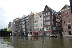 Canais em Países Baixos de Amsterdão Imagem de Stock