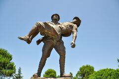 Free Canakkale, Turkey - June 24, 2011:Statue Of A Turkish Soldier Carrying An Injured ANZAC Soldier, Gallipoli, Canakkale, Royalty Free Stock Photography - 188866287
