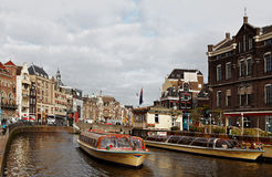Canal à Amsterdam images stock