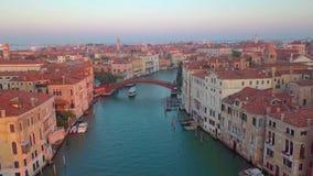 Canal à Venise, Italie de bourdon banque de vidéos