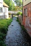 Canal étroit de ville Images stock
