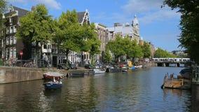 Canal ? Amsterdam, Pays-Bas banque de vidéos