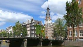Canal avec Zuiderkerk, Amsterdam, Pays-Bas clips vidéos