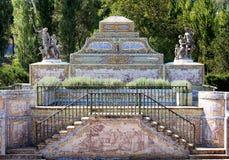 canal Azulejo-alinhado perto do palácio do nacional de Queluz Fotografia de Stock Royalty Free