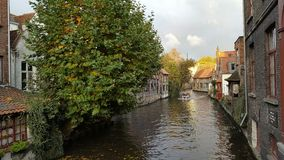 Canal Bélgica de Brujas Fotos de archivo
