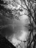 Canal blanco y negro Foto de archivo libre de regalías