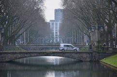 Canal da cidade do sseldorf do ¼ de DÃ! Imagem de Stock Royalty Free